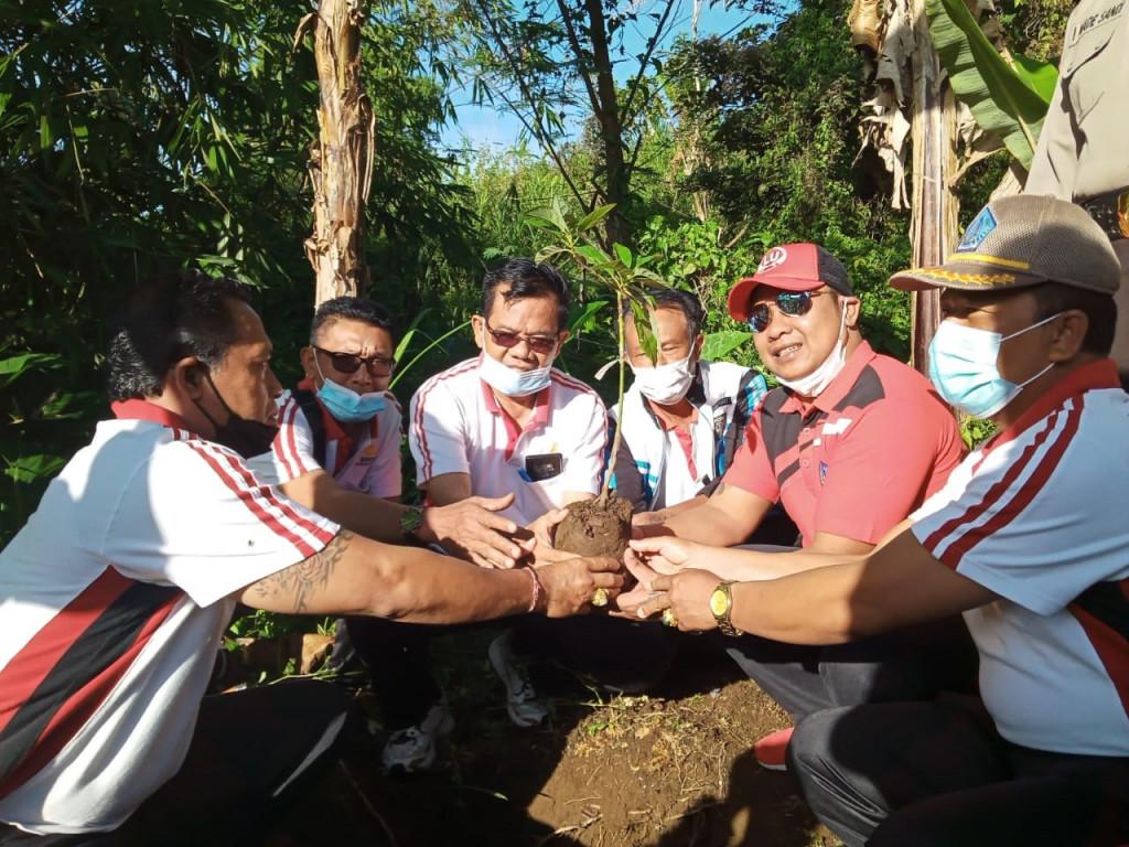 Gerakan Serentak Penanaman Pohon dan Kebersihan